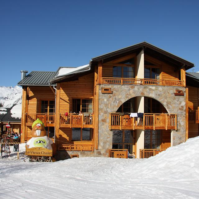 Op SneeuwVakantieTips is alles over wintervakantie | lastminuts te vinden: waaronder sunweb en specifiek Hotel Aiguille Lodge