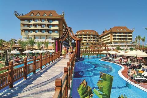 Voordelige zonvakantie Turkse Rivièra - Hotel Royal Dragon