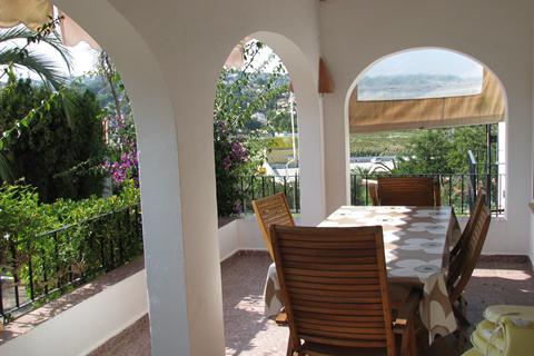 Goedkope zonvakantie Costa Blanca - Villa's Moraira met privézwembad