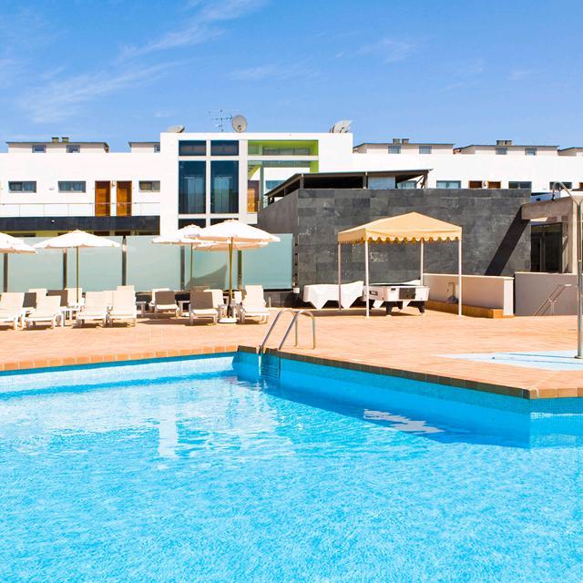 Meer info over Hotel THe Corralejo Beach  bij Sunweb zomer