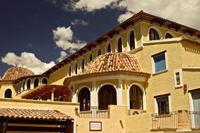 App. Pueblo Acantilado Suites - inclusief huurauto