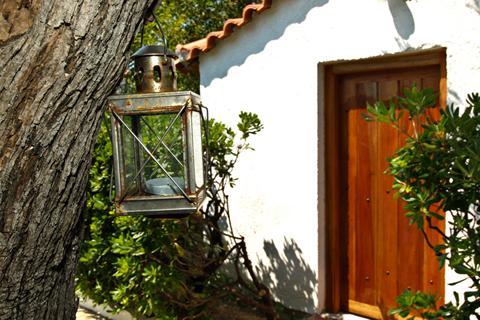 Goedkope zonvakantie Skiathos - Appartementen Margi House - inclusief autohuur