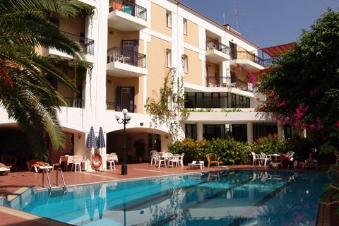 Goedkope zonvakantie Kreta - Hotel Fortezza