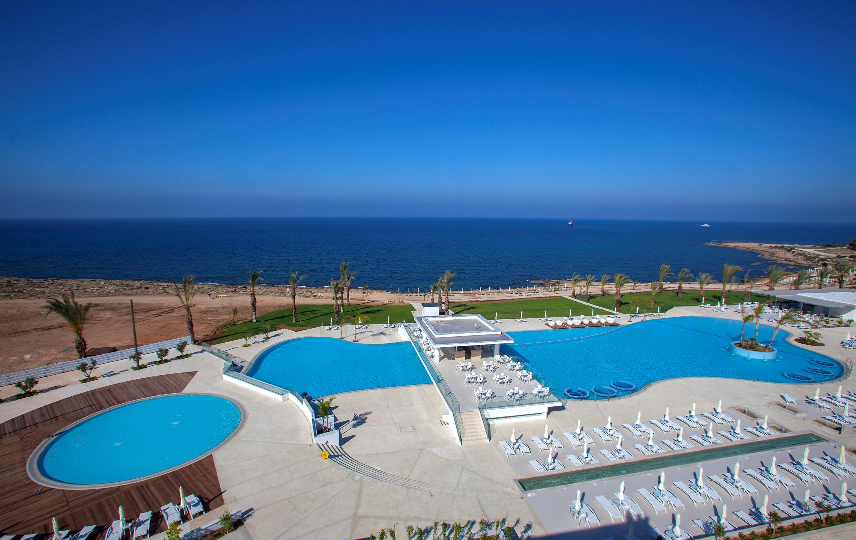 Tsokkos King Evelthon Beach Hotel & Resort