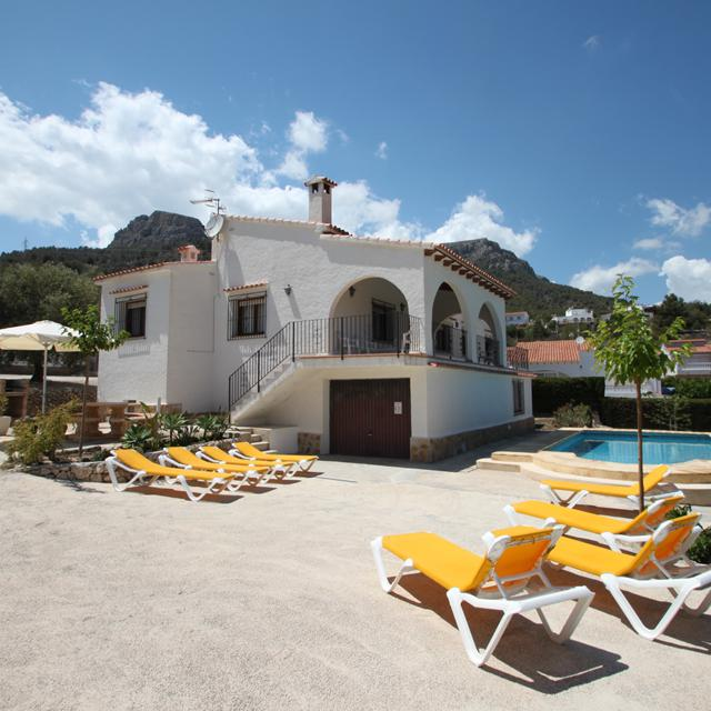 Villa's Calpe met privézwembad - inclusief huurauto