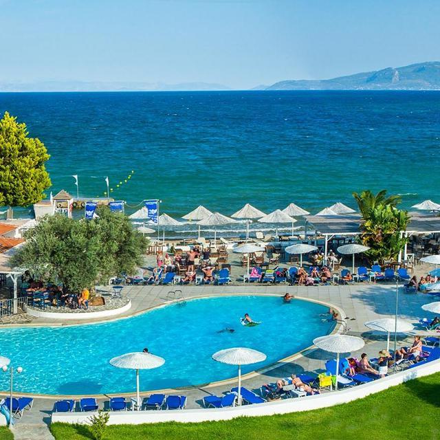 Hotel Grand Bleu Beach Resort