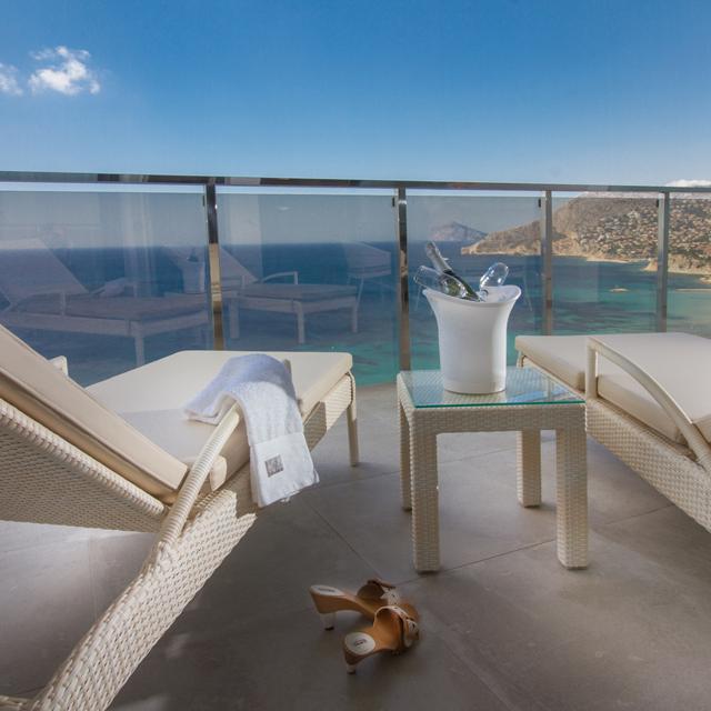 Online bestellen: Suitopia Sol y Mar Suites Hotel