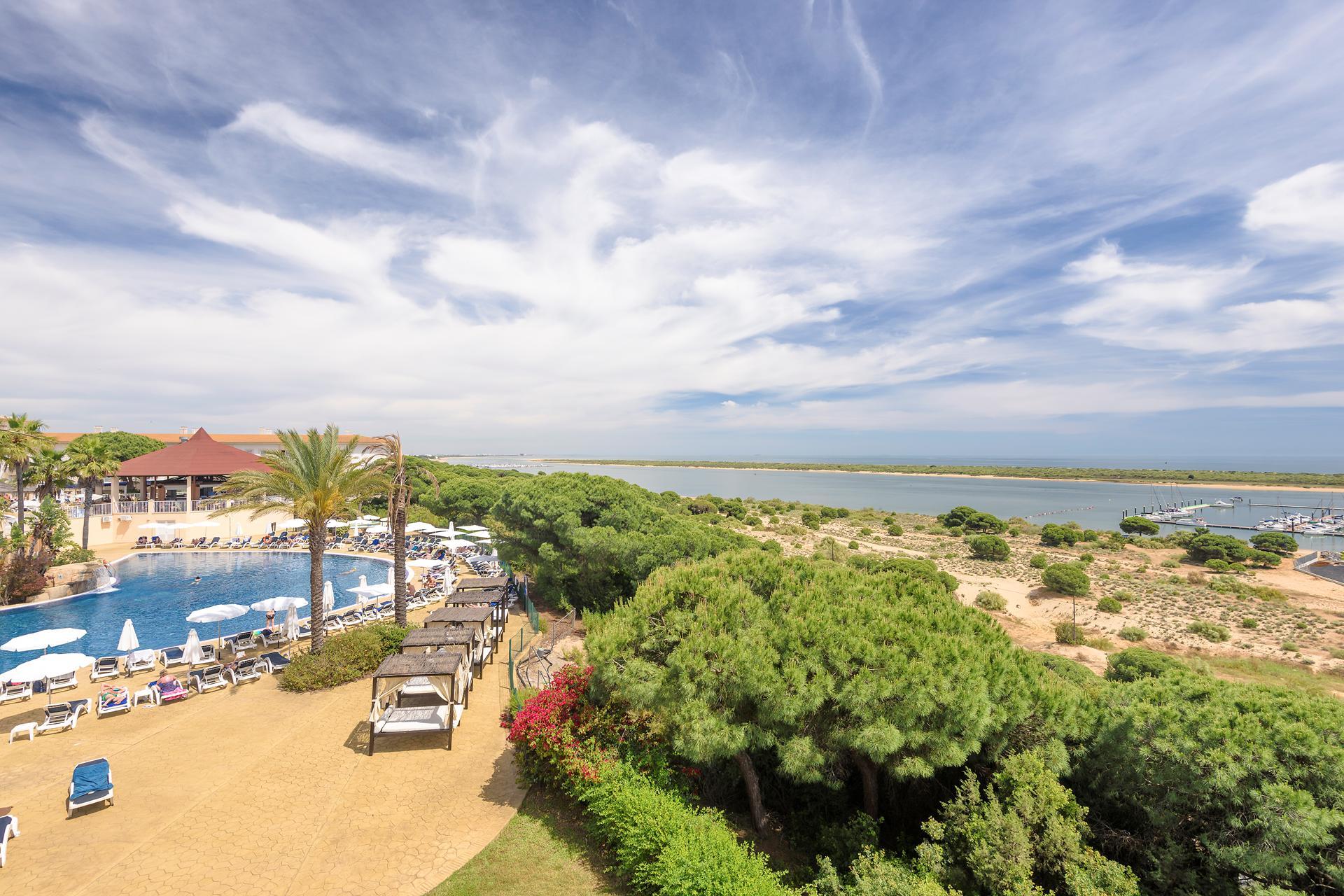 Hotel Amp Spa Garden Playanatural In Costa De La Luz Spanje