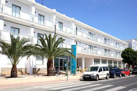 Goedkoop op zonvakantie Ibiza 🏝️Hotel Puchet