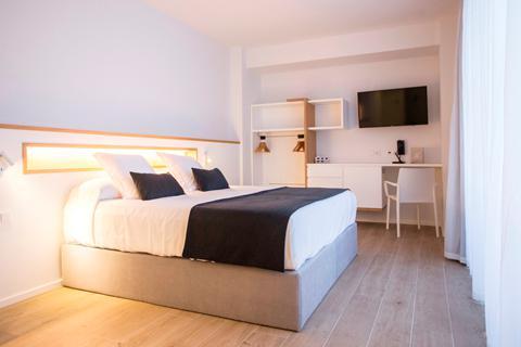 Goedkope zonvakantie Ibiza - Hotel Anfora Ibiza - logies en ontbijt