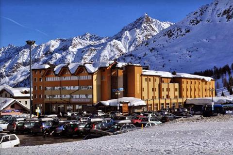 Goedkope skivakantie Adamello Ski ⛷️Grand Hotel Miramonti