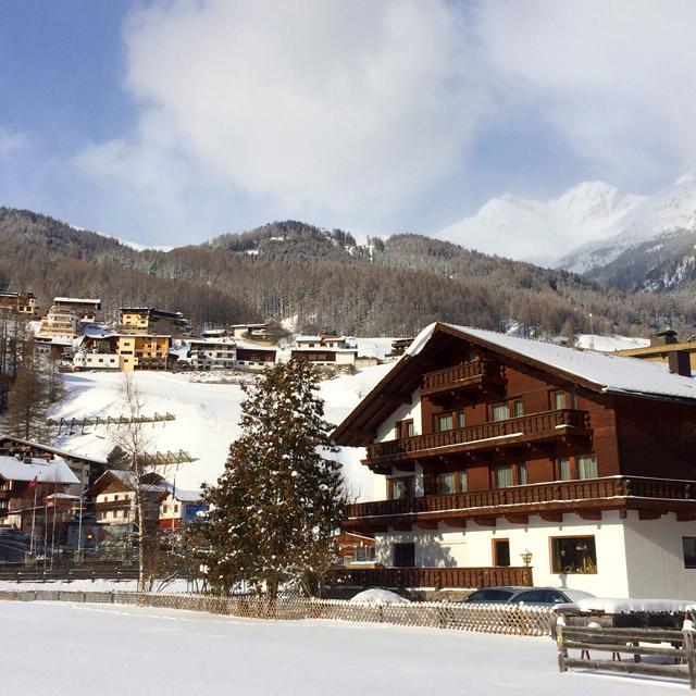 Meer info over Pension Villa Cornelia  (Logies, ontbijt)  bij Bizztravel wintersport