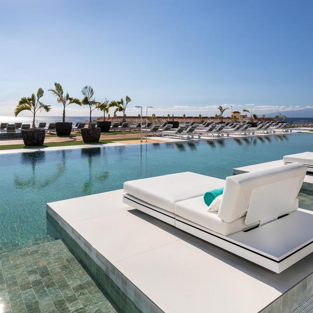 Hotel Royal Hideaway Corales Suites - logies en ontbijt