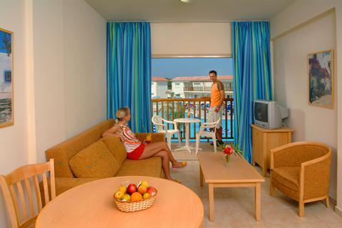 All inclusive zonvakantie Cyprus. - Tsokkos Paradise Village Aparthotel