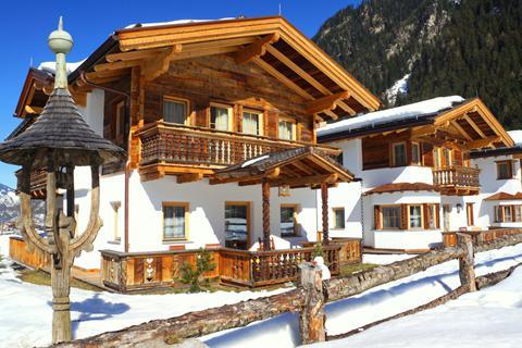 Goedkope skivakantie Zillertal ⛷️S' Dörfl Chalets