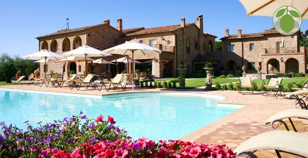 Bijzondere accommodaties Relais La Tenuta del Gallo in Macchie (Umbrië, Italië)