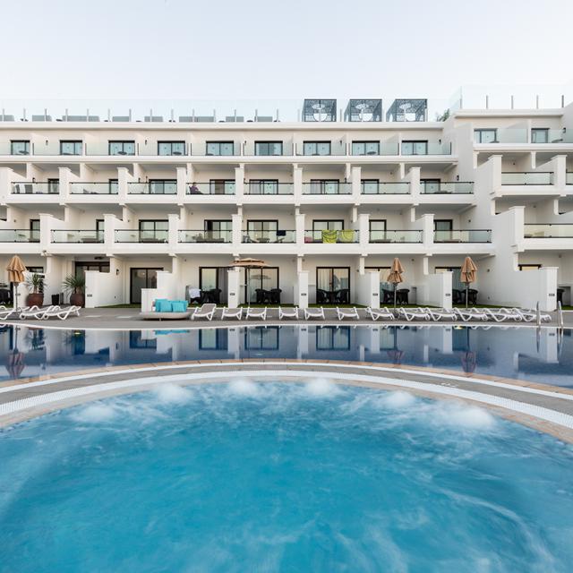 Hotel & Spa Cordial Roca Negra - Inclusief huurauto (logies en ontbijt)