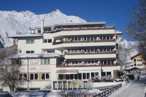 Goedkoop op skivakantie Skiparadies Nauders & Skiarena Vinschgau ⛷️Hotel Alpen Comfort Hotel Central