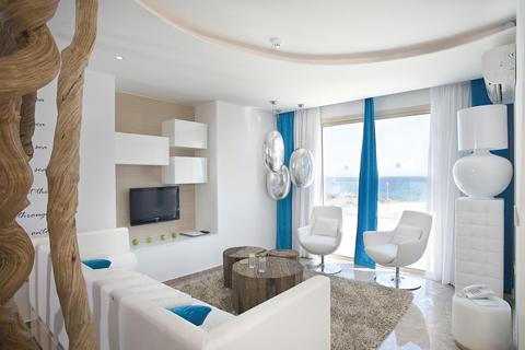 TIP vakantie Cyprus. 🏝️Louis Althea Kalamies Luxury Villas