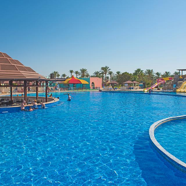 Meer info over Hotel SUNRISE Select Royal Makadi Aqua Resort  bij Sunweb zomer