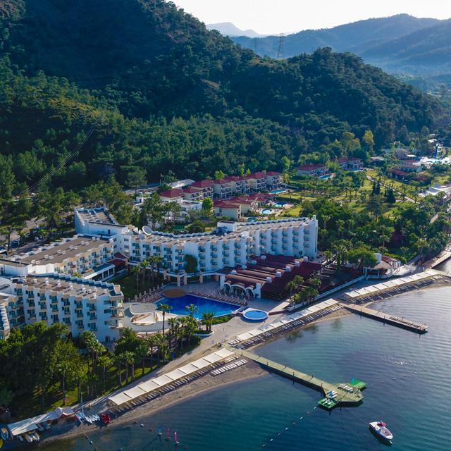 Hotel Fortezza Beach Resort