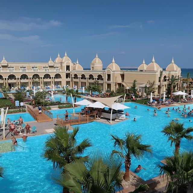 Hotel Titanic Royal Resort aanbieding Sunweb
