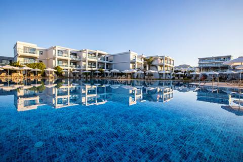 Hotel Asterias Beach Resort - logies en ontbijt