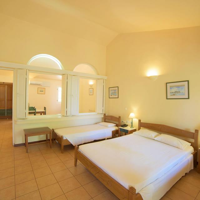 Aparthotel Century Resort reviews