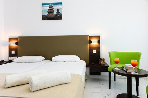 Goedkope zonvakantie Cyprus. - Hotel Christofinia
