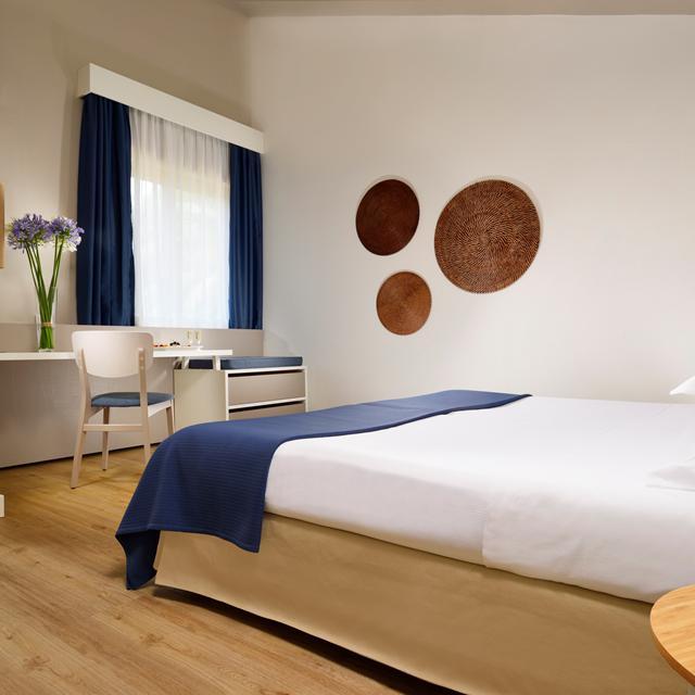 Hotel Naxos Beach reviews