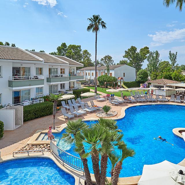 Meer info over Universal Aparthotel Elisa  bij Sunweb zomer