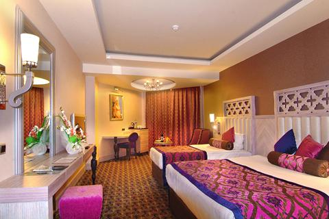 Goedkope zonvakantie Turkse Rivièra - Hotel Royal Alhambra Palace