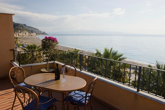 B&B Taormina Beach House