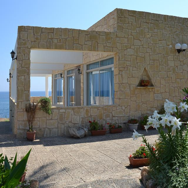 8831519-Original Zonvakanties Cyprus