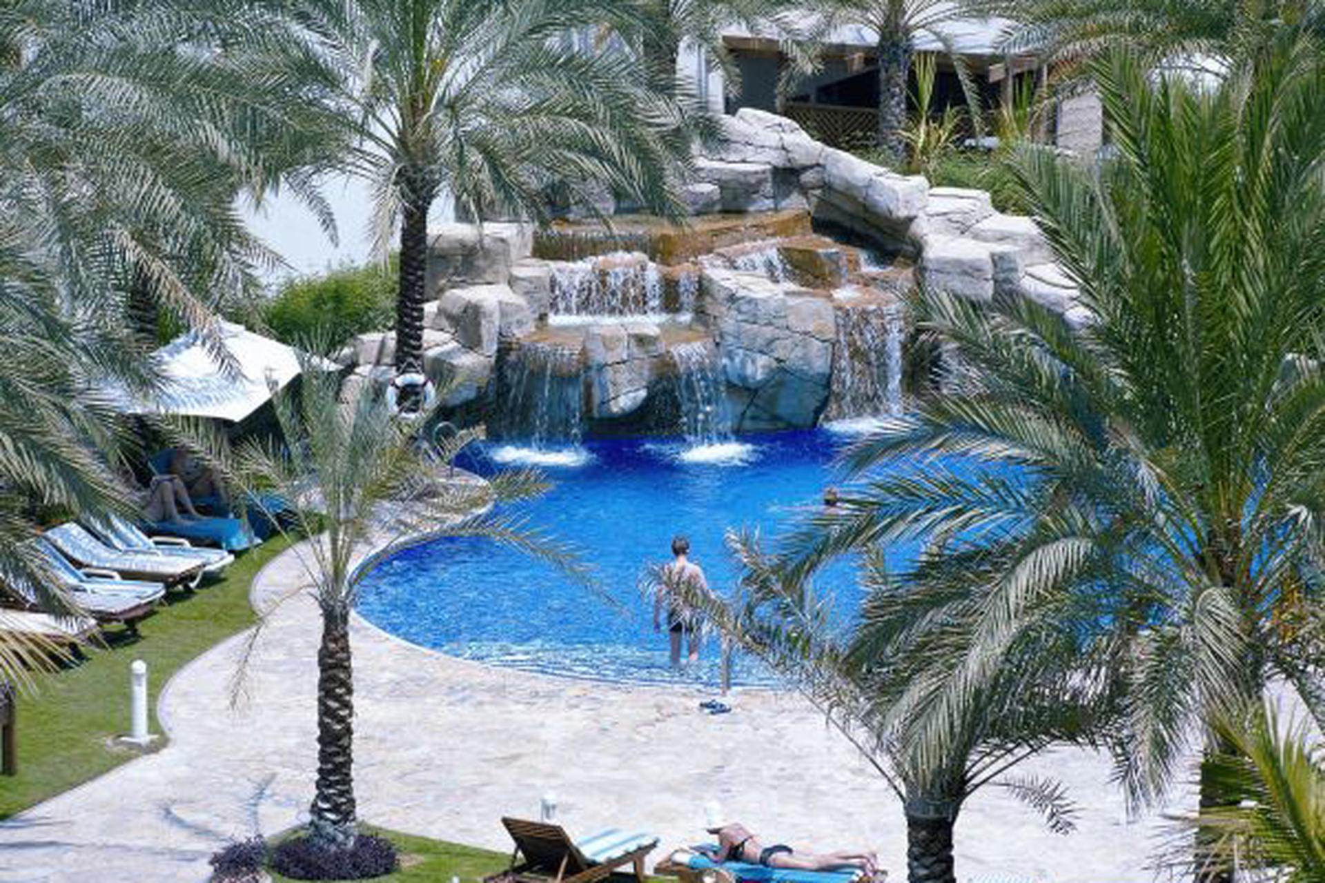 Hotel Dubai Marine Beach Resort Spa Image