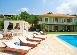 App. Agnanti Pool Suites