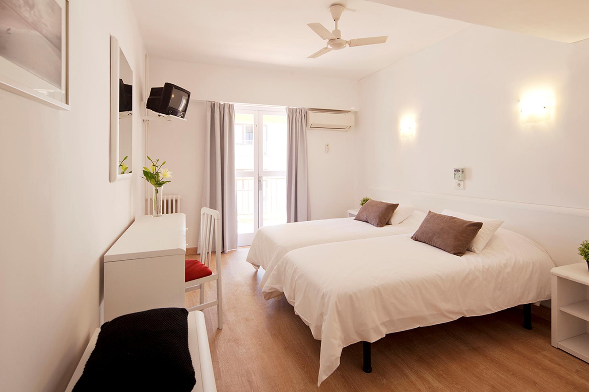 apartments whala beach mallorca spanien sunweb. Black Bedroom Furniture Sets. Home Design Ideas