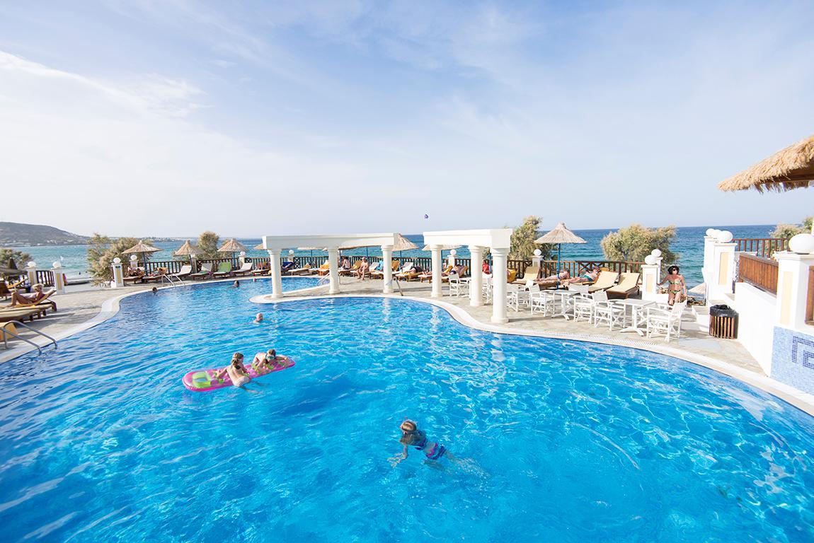 Hotel Alexander Beach