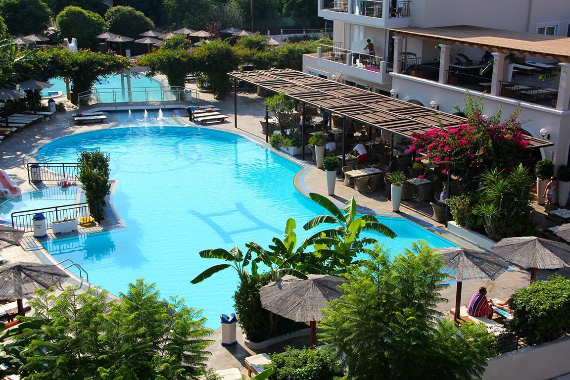 Apartments  Peridis Family Resort