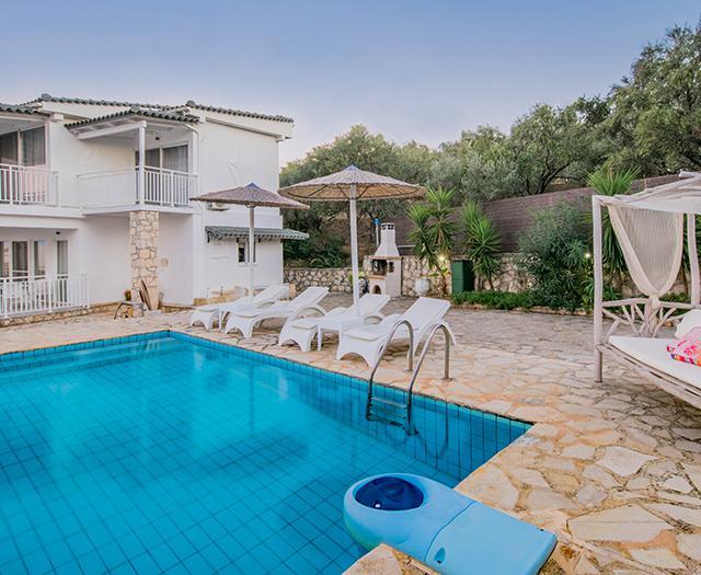 Villa's Cavo Mare