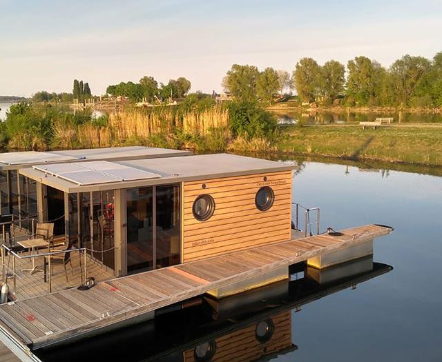 Otter Easy Houseboats
